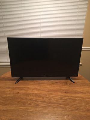Smart TCL Roku TV 32 inch. With remote. Like new... Sell for 125$ for Sale in Raleigh, NC