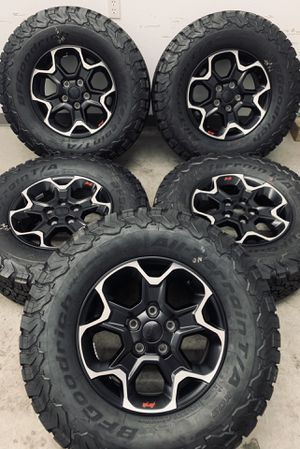"2021 Jeep Wrangler Rubicon Gladiator Wheels Rims Tires 17"" for Sale in Downey, CA"