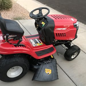 Troy-Bilt Bronco 42 in. 19 HP Briggs & Stratton Automatic Drive Gas Riding Lawn Tractor with Mow in Reverse for Sale in Phoenix, AZ