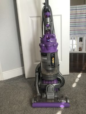 DYSON ANIMAL VACUUM!!!! Works great! for Sale in Parkland, FL