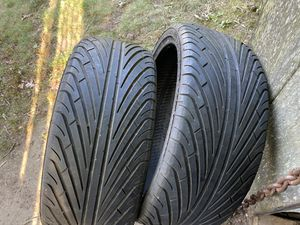 (2) 20 inch tires for Sale in CT, US