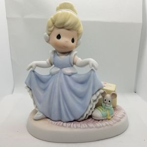 Precious Moments-Disney Princess Cinderella- 2006 Showcase collection for Sale in Port Orchard, WA