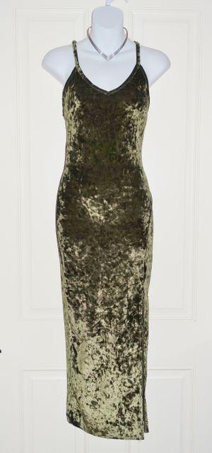 (FREE DELIVERY) *new* olive green velvet sleeveless bodycon midi dress w/ leg slit (size S) for Sale in Las Vegas, NV