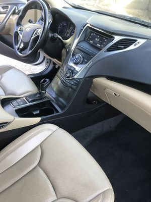 2013 Hyundai Azera a/c in excellent condition like new for Sale in Mesa, AZ