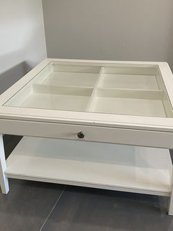 White Coffee Table ! for Sale in Hollywood,  FL