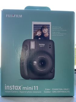 new instax mini 11 + 10 sheet instant film( black) for Sale in Montebello,  CA