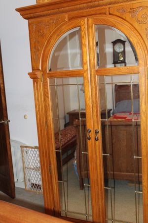 Large armoire for Sale in Murphysboro, IL