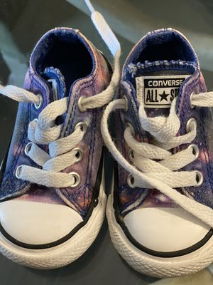 Size 4 toddler Converse for Sale in Tempe, AZ