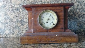 Antique American made clock from 1920 for Sale in Inglewood, CA