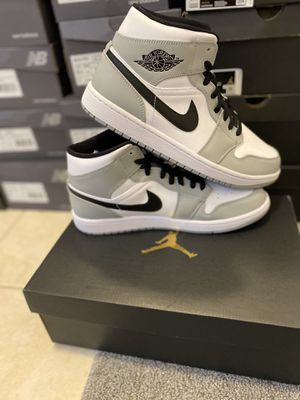 Jordan 1 Mid Light Smoke Grey 554724092 *Multiple sizes* for Sale in Boynton Beach, FL
