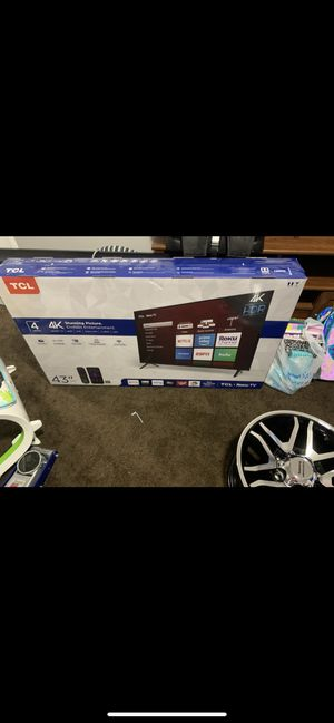"TlC 43"" Smart Roku TV for Sale in Newport News, VA"