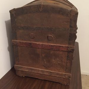 Old Trunk for Sale in Norfolk, VA