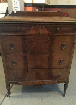 Antique Dresser for Sale in Chicago, IL