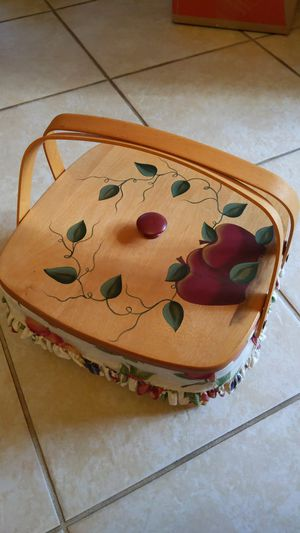Longaberger cake pie basket apples fruit with liner for Sale in Palm Harbor, FL