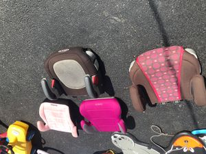 CAR KIDS CHAIR BOOSTER for Sale in Glenview, IL