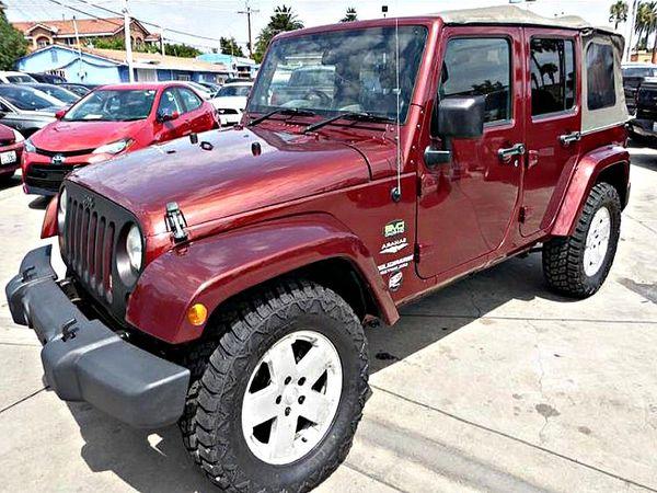 2010 Jeep WranglerUnlimited Sahara 4WD