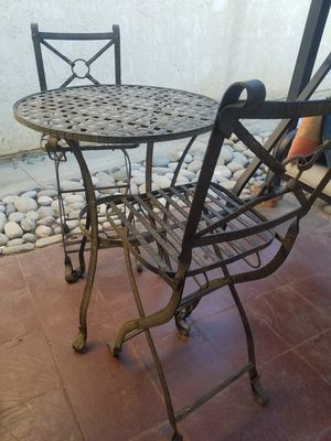 mesa de patio con 2 sillas for Sale in Palmdale, CA