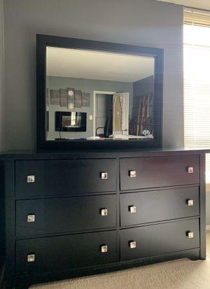 Bedroom Dresser for Sale in MARTINS ADD, MD
