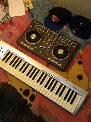 Numark Mixtrack pro && M-AUDIO KEY STUDIO for Sale in Pomona, CA
