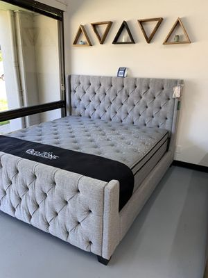 New Gray Linen Bed Frame : Full / Queen / King / Cal King : Mattress Set Sold Separately - Box Spring Required for Sale in Concord, CA