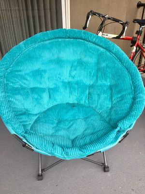 Comfy light chair with bag for Sale in Salt Lake City, UT