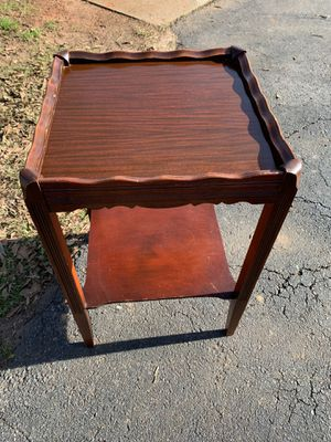 Antique Side Table for Sale in Greenville, SC