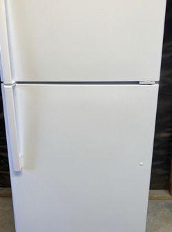Ge Refrigerator for Sale in Santa Clarita,  CA