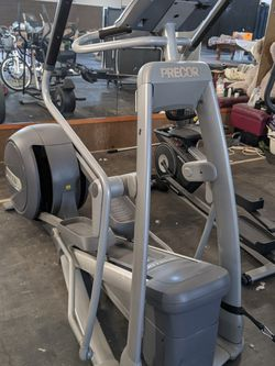 Precor Professional Elliptical Machine for Sale in Yakima,  WA