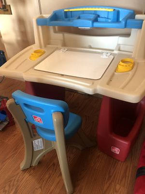 Step 2 kids desk for Sale in Tempe, AZ