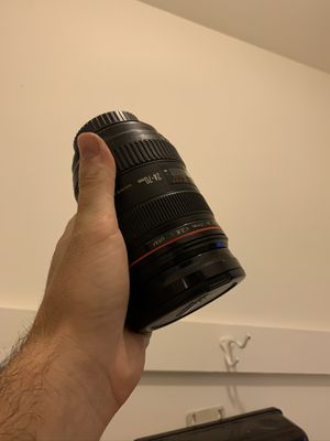 Canon 24-70mm 2.8 for Sale in Los Angeles, CA