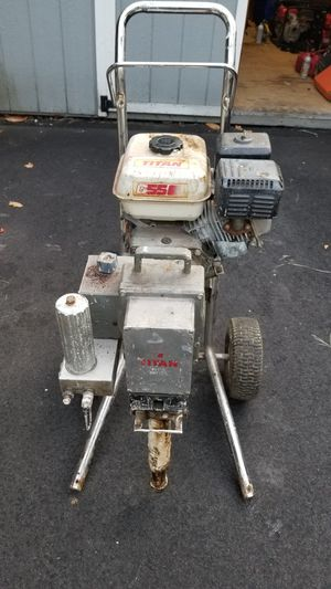 Titan powered by Honda paint sprayer for Sale in Chesterfield, VA