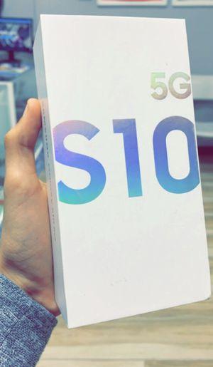 Factory Unlocked! Samsung Galaxy S10 5G, 256gb, Brand New in Box! One Year Warranty! for Sale in Dallas, TX