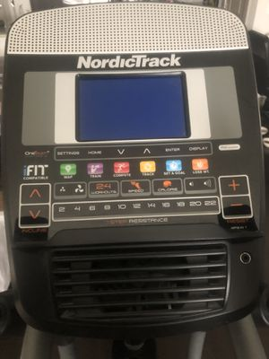 Elliptical NordicTrack Space Saver Se7i for Sale in Houston, TX