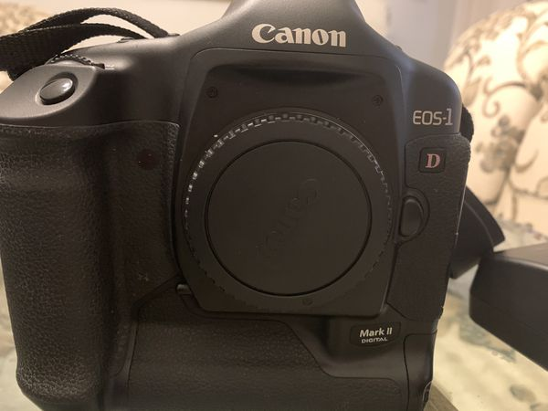 Canon Mark II EOS 1 D Professional Digital Camera with many Accessories
