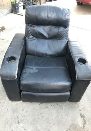Couch for Sale in Dinuba, CA