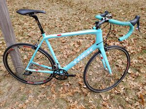 MADONE CARBON ROAD Bike 60cm for Sale in Douglas, MA