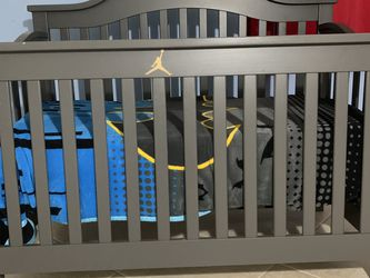 Baby Crib With Dresser for Sale in Orlando,  FL