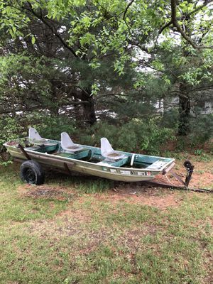 14ft Aluminum Jon Boat for Sale in Avon, IL