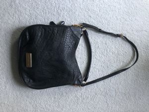 Marc Jacobs leather hobo crossbody bag for Sale in Sewell, NJ