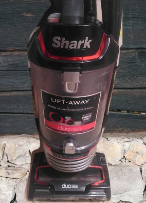 Shark power lift duoclean vacuum for Sale in Fresno, CA