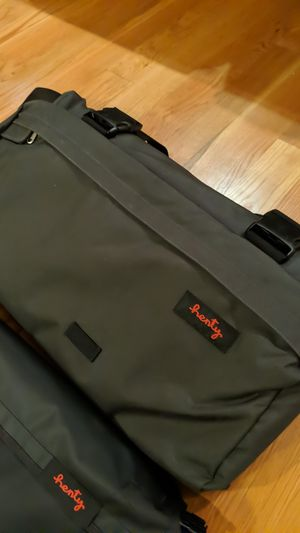 Henty wingman commuter suit bag, grey for Sale in Philadelphia, PA