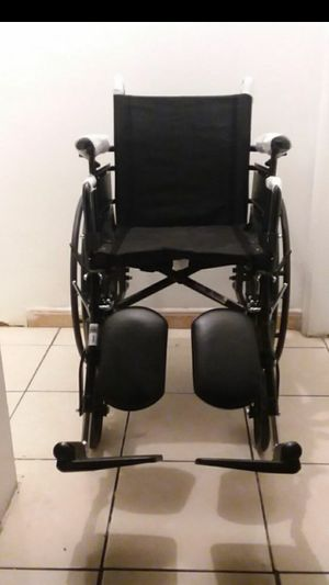 "DRIVE CRUISER X4 WHEELCHAIR 16""WIDTH WITH ELEVATING LEGREST... for Sale in Paramount, CA"