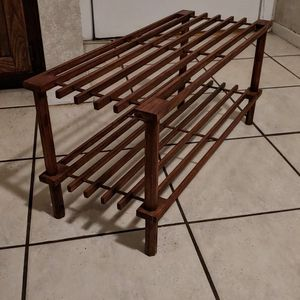 Shoe Rack ( Holds About 8 Pairs Of Shoes) for Sale in Dallas, TX