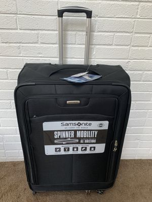 Samsonite Childs 28 Inch Luggage w/ Wheels - BRAND NEW for Sale in Chester, VA