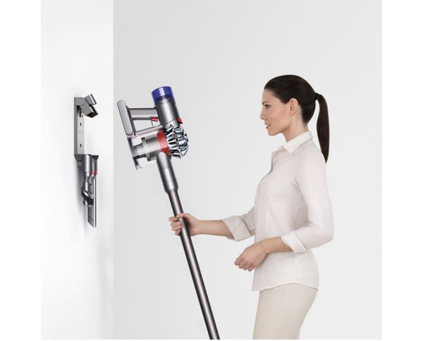 DYSON wireless vacuum cleaner with all accessories