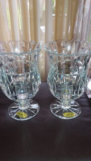 """Pair of crystal vases/ glass 7""""tall $25 for both. for Sale in West Palm Beach, FL"""