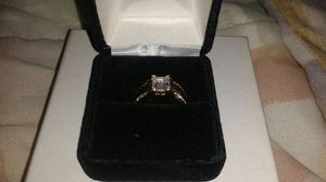 Size 5 Goldtone 2 piece Wedding Ring Set for Sale in Lake Wales, FL