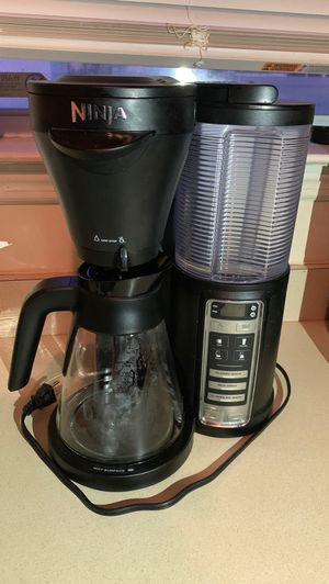 Ninja 3 brew hot and iced coffee maker for Sale in Staten Island, NY
