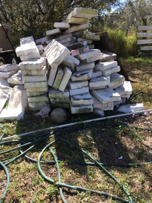 """Styrofoam insulation, fits pan metal 3"""" thick for Sale in Frostproof, FL"""