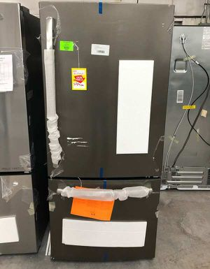 GE refrigerator YI for Sale in El Paso, TX